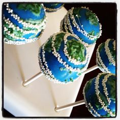 Earth Day Cake Pops!  On the Blog! http://heavenlycakepops.com/2013/04/earth-day-cake-pops