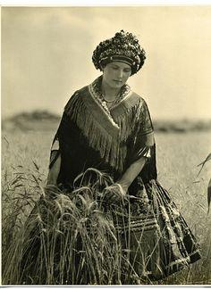 girl from Mezőkövesd, Hungary 1928