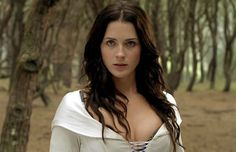 Kahlan Amnell - Mother Confessor. Legend of the Seeker.  I want to be a Confeesor when I grow up!