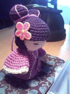 kokeshi amigurumi | Kokeshi crochet amigurumi 2011 Crochet Books, Crochet Gifts, Cute Crochet, Crochet Patterns Amigurumi, Amigurumi Doll, Patron Crochet, Kokeshi Dolls, Matryoshka Doll, Asian Doll