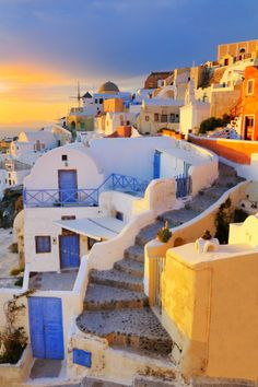 Greece。Aegean Sea。Santorin Island。in all these doors, i wish one was mine