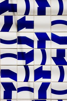 pattern tiles by Oscar Niemeyer (Brasil) – motif carrelage Floor Patterns, Tile Patterns, Pattern Art, Textures Patterns, Print Patterns, Pattern Design, Oscar Niemeyer, Art Graphique, Blue Art