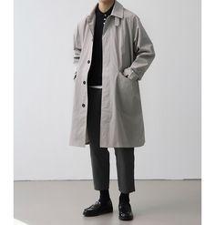 Creating the Men Minimalist Fashion Wardrobe Japan Men Fashion, Tall Men Fashion, Young Fashion, Mens Fashion, Minimal Outfit, Minimal Fashion, Stil Inspiration, Look Man, Estilo Retro