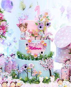 Esplêndido esse bolo com o tema Jardim! Baby Birthday Cakes, Birthday Parties, Fairy Birthday Cake, Baby Girl Cakes, Fairy Cakes, Cute Cakes, Cake Creations, Themed Cakes, Beautiful Cakes