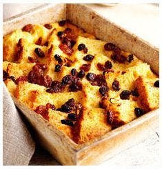 South African Recipe for Bread & Butter Pudding Pudding Recipes, Bread Recipes, No Bake Desserts, Dessert Recipes, Pudding Ingredients, Bread And Butter Pudding, South African Recipes, Sweet Treats, Baking