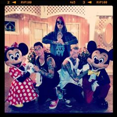 "Jeffree Star (@jeffreestar): ""hard styling at Disneyland"""