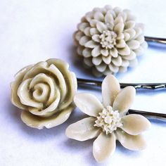 Flower Pins  Set of Three  IVORY TRIO  Great for by GoodieJar, $10.00