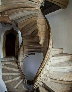 architecturia: Dual staircase is Au