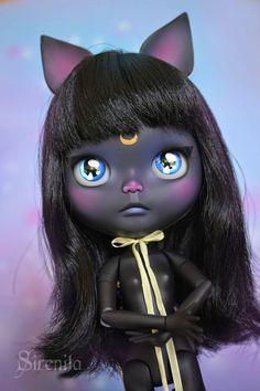 Blythe customized as Luna from Sailor Moon ---- Sirenita - black cat doll