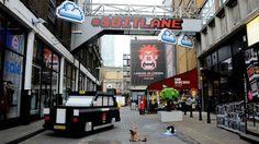 Installation anglaise pour la promo du monde de Ralph ! http://www.geek-art.net/8-bits-lane-wreck-it-ralph/