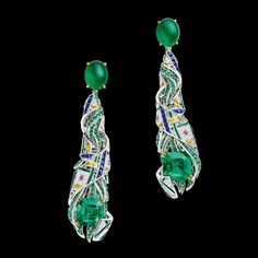 """CHAUMET est une fête collection - A reinterpretation of the Scottish tartan motif, the """"Pastorale Anglaise"""" set takes inspiration from the Glyndebourne Festival with a fanciful twist. High Jewelry, Jewelry Sets, Unique Jewelry, Jewelry Rings, Emerald Diamond, Diamond Cuts, Emerald Cut, Emerald Earrings, Drop Earrings"""