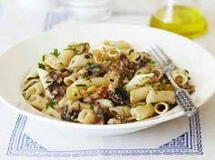 Pasta met nootjes en ansjovis (Libelle Lekker!)