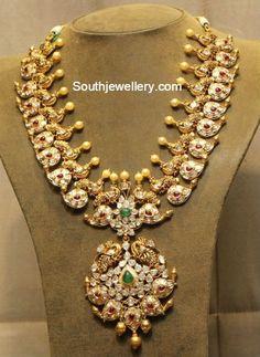 Antique Jewellery Designs, Gold Jewellery Design, Diamond Jewellery, Diamond Necklaces, Gold Wedding Jewelry, Bridal Jewelry, Gold Jewelry, Jewelery, Gold Necklace