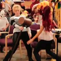 JENNETTE MCCURDY  SAM AND CAT  | Jennette Mccurdy Ariana Grande Sam Cat Picked Up By Nickelodeon ...