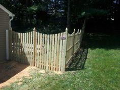 4 Tall Fortress Fence With Arch Top Gate All My Gates