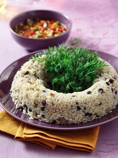 Πικάντικο ρύζι με συκώτι και γλυκόξινη σάλτσα πιπεριάς - www.olivemagazine.gr Grains, Rice, Recipes, Food, Magazine, Essen, Magazines, Meals, Eten