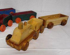 Petit train 2 bois, jouet en bois objet decoratif, création et fabrication artisanale.
