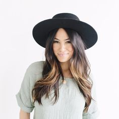 Dahlia 02 - Women's Stiff Brim Felt Hat with Removable Leather Band