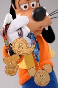 Goofy w/ Disney Running Medals - MouseTalesTravel.com  #MTT #rundisney #fitmouse #getfit