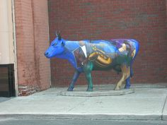 A Jazzy Cow Kansas City, Missouri Located in the & Vine Historic district. Kansas City Missouri, City Art, Cows, Kitsch, Fun Stuff, Vines, 18th, Inspirational Quotes, Marvel