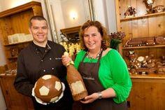 Het Chocoladehuis - Steve en Gerda Goetschalckx - Aerts  Het artisanaal produceren van pralines, chocolade figuren, dessert en roomijs