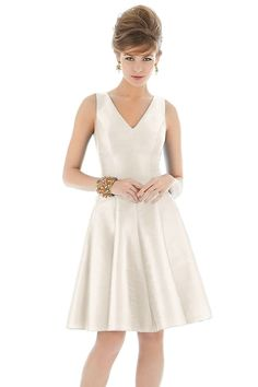 Shop Alfred Sung Bridesmaid Dress - D662 in Dupioni at Weddington Way. Find the perfect made-to-order bridesmaid dresses for your bridal party in your favorite color, style and fabric at Weddington Way.