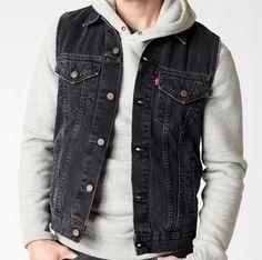 Levi's Men's 100% Cotton Denim Trucker Vest - Black.
