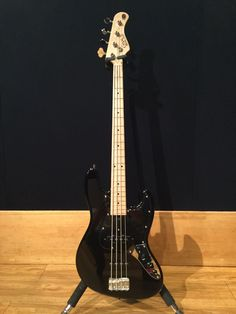 Sound Studio, Bass, Music Instruments, Guitar, Japanese, Japanese Language, Guitars, Lowes, Musical Instruments