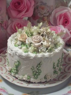 (Brides Bouquet) FUNKY JUNK ROSE DECORATED FAKE CAKE