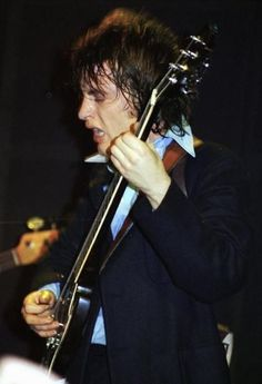 Angus Young 70's AC/DC