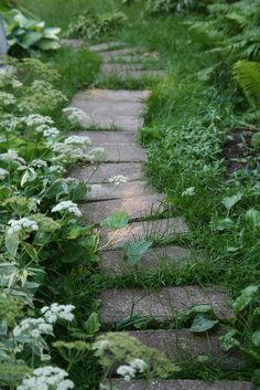 Children love little hidden paths in the garden. They are just the thing to … - garden paths Garden Gates, Garden Art, Garden Stairs, The Secret Garden, Garden Cottage, Meadow Garden, White Gardens, Plantar, Shade Garden