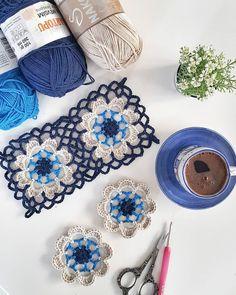 Ein Stand-elegant Motive-the-glass-bottom Crochet Motifs, Crochet Squares, Crochet Stitches, Crochet Flowers, Crochet Lace, Crochet Bikini, Knitting Patterns, Crochet Patterns, Knitting Magazine