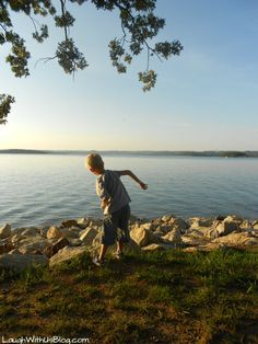 Table Rock State Park and Lakeshore Trail in Branson, MO--A great and beautiful place for kids to explore!  ~LaughWithUsBlog