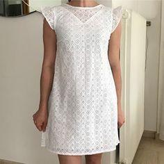 82d97a66f9303 Première cousette de mai robe Oxanne de  annarosepatterns en broderie  anglaise  lescouponsdesaintpierre je ne pensais pas que ce tissu rendrait  aussi bien ...