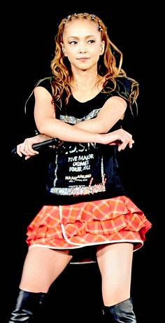 2012年大阪ドームのライブ映像から世界一大好きな格好良い安室ちゃんを切り取り編集しました。 Hip Pop, Japanese Models, Gyaru, Woman Crush, Girl Crushes, Cheer Skirts, Cool Girl, Singer, Female