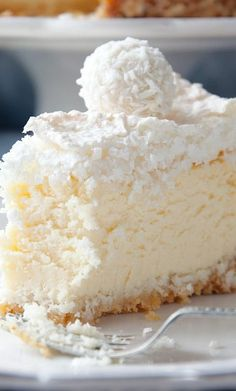 Raffaello Coconut Almond Cheesecake with Coconut Meringue by kwestiasmaku… No Bake Desserts, Just Desserts, Dessert Recipes, Yummy Treats, Sweet Treats, Yummy Food, Gateaux Vegan, Coconut Recipes, Cheesecake Recipes