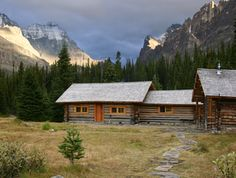 Elizabeth Parker Hut, Lake O'Hara, Yoho National Park. Alpine Club of Canada