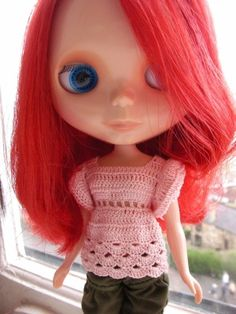 free pattern for this crocheted top for blythe or skipper