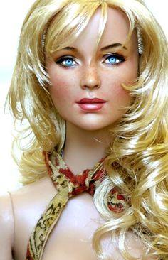 Amazing Repainted Dolls Celebrities By Noel Cruz photos + 1 Video) Chic Chic, Pretty Dolls, Beautiful Dolls, Doll Toys, Baby Dolls, Barbies Dolls, Vintage Barbie, Barbie Celebrity, Real Doll