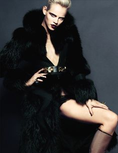 Numero November 2012 - Starring in this Numero November 2012 editorial is model Ginta Lapina who dons decadent noir garments to make for an expressive femme fatale editor. Fashion Models, High Fashion, Fashion Beauty, Womens Fashion, Fur Fashion, Grey Fashion, Glamorous Chic Life, Ginta Lapina, Mode Editorials