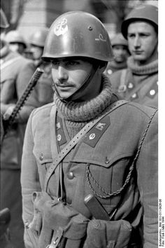 Bundesarchiv Bild 101I-311-0926-06, Italien, italienische Soldaten - Xª Flottiglia MAS (Repubblica Sociale Italiana) - Wikipedia
