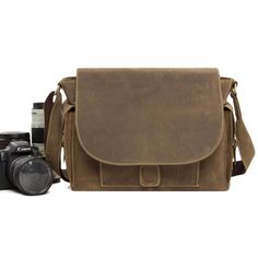 118.32$  Buy now - http://aliiju.worldwells.pw/go.php?t=32346364372 - ROCKCOW Vintage leather dslr camera video messenger bag for Canon Nikon JW826