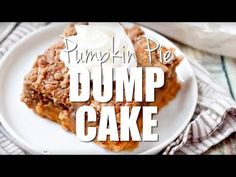 Pumpkin Pie Dump Cake gets it's name by dumping the ingredients into the baking dish. It is like pumpkin pie topped with spice cake and it serves up great! No Cook Desserts, Easy Desserts, Delicious Desserts, Yummy Food, Pumpkin Deserts, Pumpkin Recipes, Dump Cake Recipes, Dessert Recipes, Dump Cakes