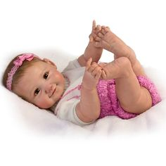Nothing is sweeter than tiny baby fingers and chubby baby toes.except when your little girl discovers them for herself! Ashton-Drake So Truly Real 10 Little Fingers, 10 Little Toes Poseable Baby Doll by The Ashton-Drake Galleries. Baby Doll Set, Baby Dolls For Sale, Real Baby Dolls, Realistic Baby Dolls, Newborn Baby Dolls, Cute Baby Dolls, Real Doll, Baby Girl Dolls, Ashton Drake