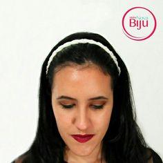 As pérolas  estão em alta e para  ajudar em alguns penteados para o  verão esse headband de pérola dará um  toque romântico! 👧💄👠 www.minhanovabiju.com.br  #minhanovabiju #acessoriosfemininos #acessorios #headbandperola #romantismo  #lojaonline #moda  #verao2017 #salvadorbahia  #enviamosparatodobrasil
