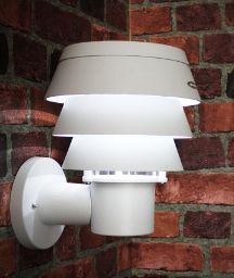 This contemporary triple tier solar wall mounted light is an affordable new way to enhance your porch, patio, entryway or any vertical flat surface Outdoor Wall Lighting, Outdoor Walls, Outdoor Decor, White Wall Lights, Solar Deck Lights, Wall Mounted Lamps, Solar Led, Plates On Wall, Solar Panels