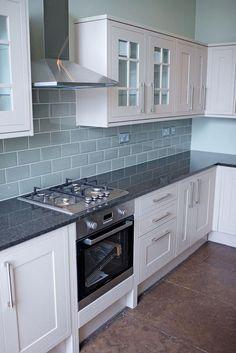 The useful info is below Diy Kitchen Decor Ideas Kitchen Wall Tiles, Kitchen Backsplash, Diy Kitchen, Kitchen Interior, Kitchen Decor, Interior Livingroom, Backsplash Ideas, Kitchen Flooring, Howdens Kitchens