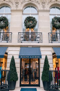 Gal Meets Glam's Winter Guide to Paris includes where to stay, neighborhoods to visit, where to eat and what to do, along with a Paris photo guide Christmas Time, Xmas, Paris Christmas, French Christmas, Christmas Porch, Carlo Scarpa, Beautiful Streets, Paris City, Gal Meets Glam