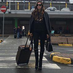 Buongiorno Milano!! Always nice to be back! Bom dia Milão! Sempre bom estar de volta!! #milano #fashionweek #arrival #ootd #bacio by iza_goulart