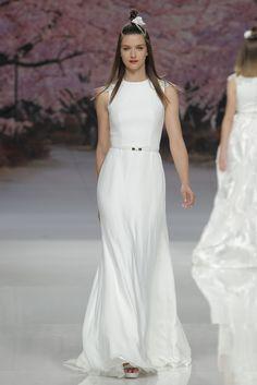 Ainda não viu os 40 melhores vestidos de noiva minimalistas 2017? Entre eles está o seu!